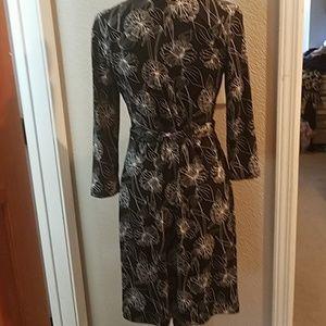 Banana Republic Dresses - BANANA REPUBLIC Wrap dress Size Medium Petite